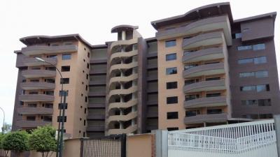 Exclusivo Apartamento a estrenar. Residencias Almendrón. Urbanización Frutas Condominio. Detrás del CC Buenaventura. Guatire Cod 78-213