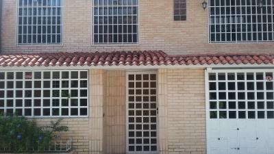 Bella y Remodelada Casa en Villas del Sol
