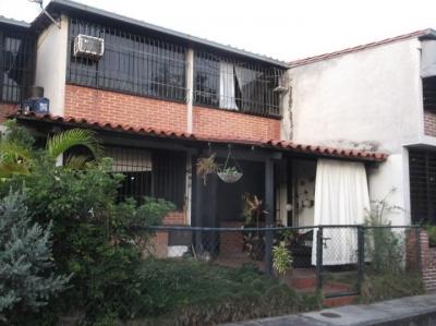 Casa Multifamiliar Conj. Res Los Robles