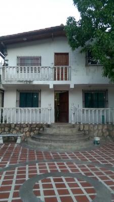 Hermosa casa Araira