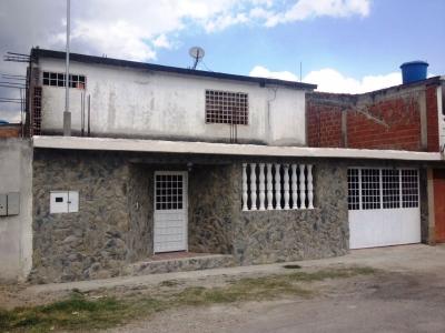 VENTA DE CASA EN LAS MARGARITAS - GUATIRE