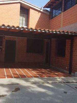 Venta de Chalet en Conjunto Residencial Casa Blanca en Nueva Casarapa
