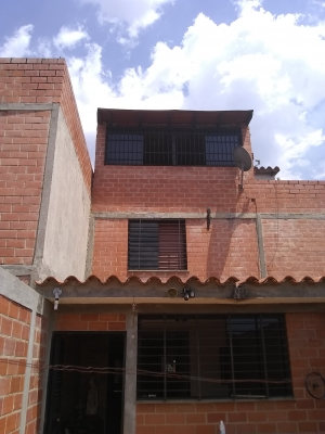 EN VENTA CASA ALTOS DE COPACABANA, GUARENAS