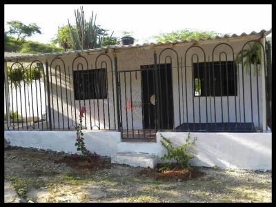 Casa de dos alcobas en Santa Marta