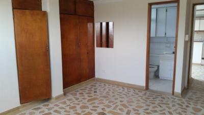 Apartamento de dos alcobas en zona residencial