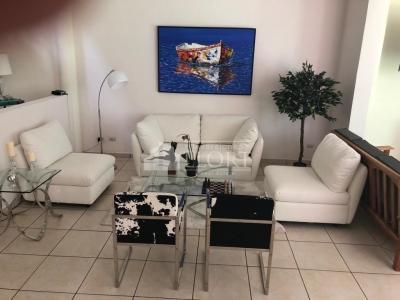 En venta casa amplia totalmente remodelada ubicada en Villas de Santa Elena
