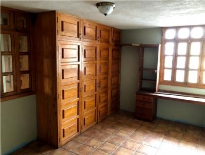 En venta amplia casa ubicada en Ribera del Rìo.