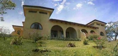 Se Alquila Precioso Apartamento con Vista, Ciudad Colon - US$880/mes