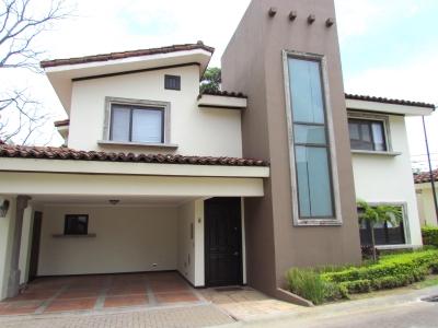 Casa en alquiler en Ciudad Colon #8688