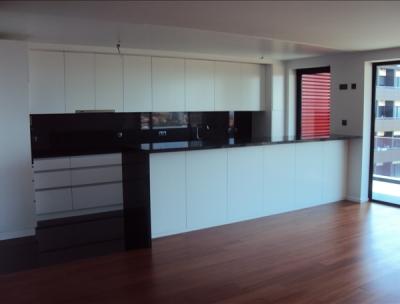 Apartamento T3, originalmente T4 em Funchal