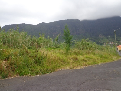 Terreno com 1100 metros em São Vicente