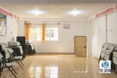 Casa de 2 niveles en venta en residencial privada