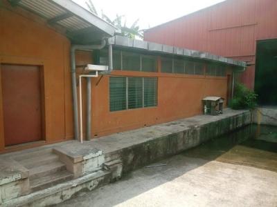 CityMax Alquila bodega y oficina Bulevar del Ejército 1,160 m2