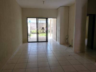 GANGA!!! VENDO CASA MIRAMAR 1 PLANTA, PRIVADO, terreno 300 v2, COCHERA TECHADA, 2 vehiculos, sala, comedor, cocina con pantries, terraza, jardin, area de servicio complet