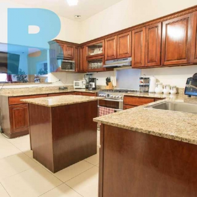 Casa en venta en Cumbres de Peñaflor