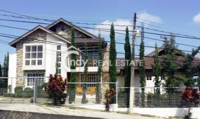 Casa 600m2 Tipo Villa en 3 Niveles, 4 habitaciones