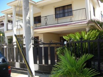 Casa en Urbanizacion Privada próximo Av. Rafael Vidal