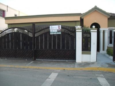Casa en Urbanizacion Cerrada Zona Céntrica