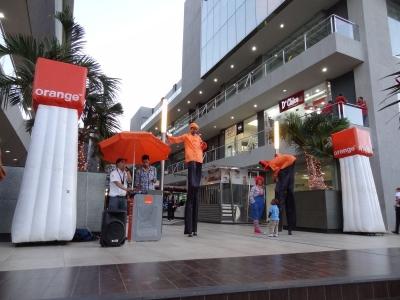 Previous Next Modulo con ubicación estrategica frente a la entrada del Cine y food court