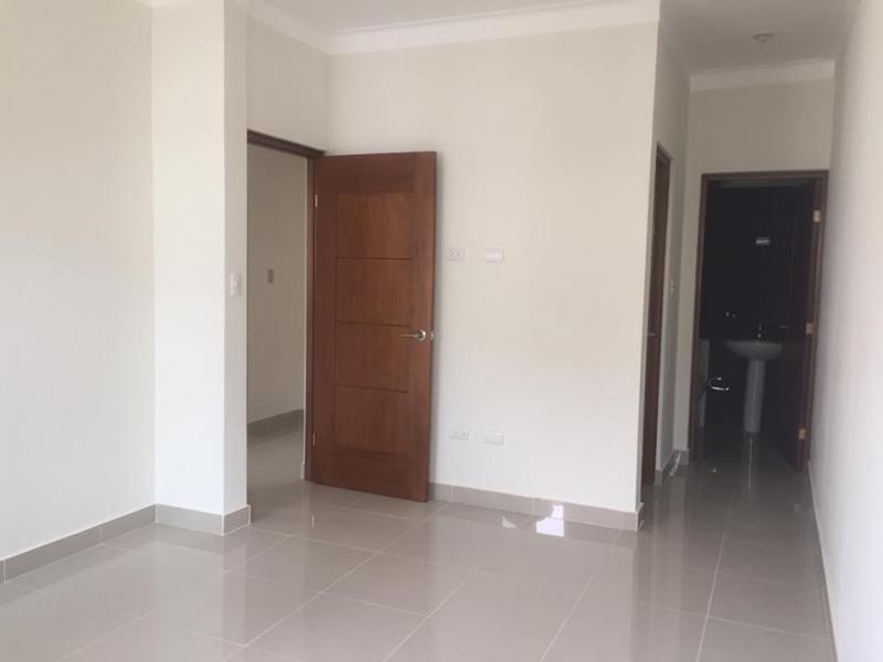 Apartamento en primer nivel con patio privado