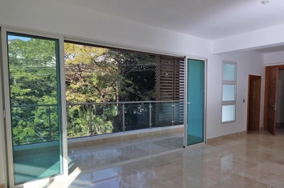 Apartamento nuevo en La Esmeralda con Piscina