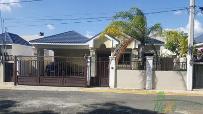 Casa en Hermoso Proyecto Gurabo Santiago