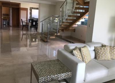 CITYMAX vende apartamento PH en los jardines SANTIAGO.