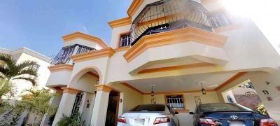 Casa Amplia en venta en Santiago, República Dominicana