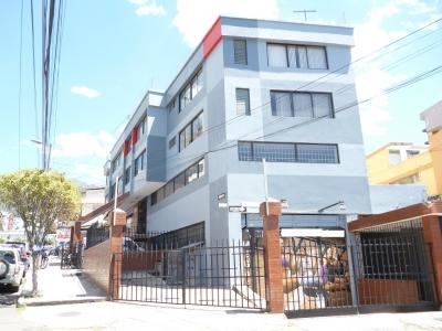Vendo Edificio ubicado en la calle Rumipamba sector La Carolina