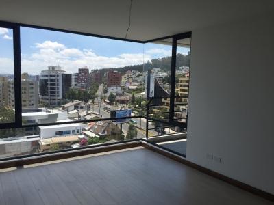 Suite A Estrenar Con Balcón (Gran Vista) en Av. Eloy Alfaro y Portugal