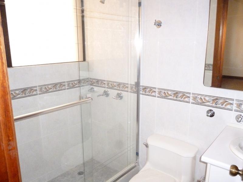 Alquilo o Vendo Hermoso Departamento ubicado cerca de la Av. González Suárez y Coruña