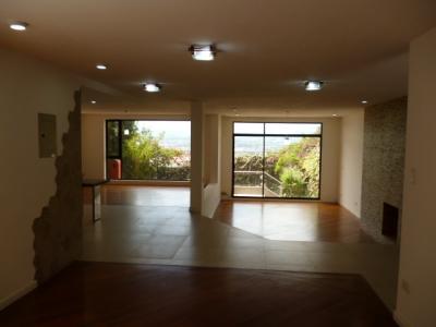 Vendo o Arriendo Hermosa Casa - ubicada en Miravalle 2 - sector Cumbayá