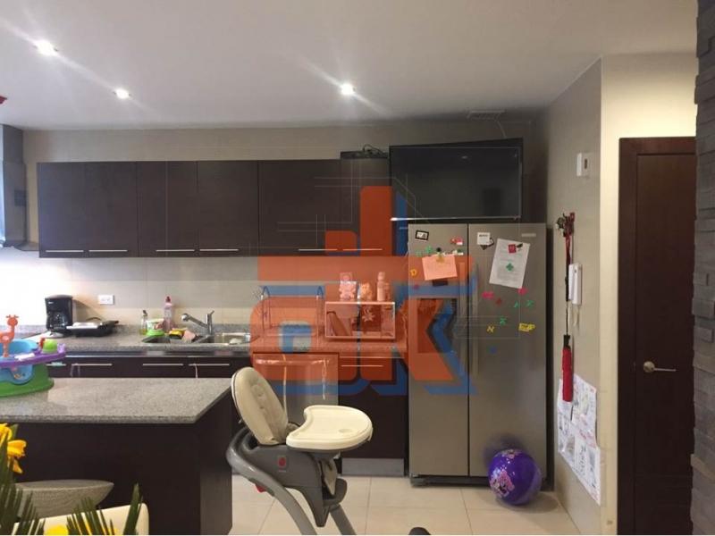 Hermoso Duplex acabados de Lujo