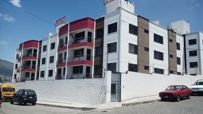 DEPARTAMENTO Sector Santa Lucia QUITO