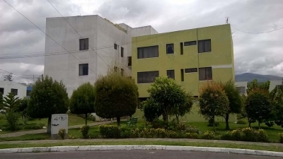 Departamento Dos Hemisferios, 2 dormitorios, segundo piso, precio $45.000 Inf: 2353232, 0997592747, 0992758548