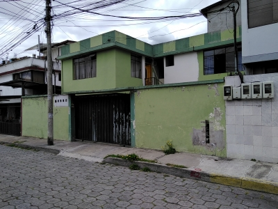 CASA RENTERA 4 DEPARTAMENTOS INDEPENDIENTES NORTE DE QUITO 350 M2 CONSTRUCCION