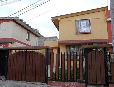 Vendo casa Urbanización Pusuqui, más minidepartamento, 120m2, cerca al Colegio Espejo $90.000 Ventas: 2353232,0997592747,0992758548
