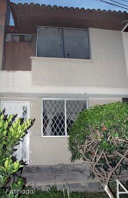 Arriendo casa Ciudad del sol,sector Pomasqui, guardianía permanente $250 Inf: 2353232,0997592747,0958838194