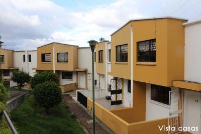 Casa conjunto habitacional ciudad dos hemisferios, 3 niveles, 151m2 $110.000 Ventas: 2353232,0997592747,0958838194