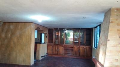 Arriendo departamento independiente, 4 habitaciones, excelente ubicación y seguro