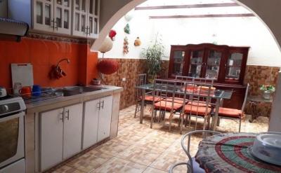 Casa en Venta con mini departamento ( Villaflora)