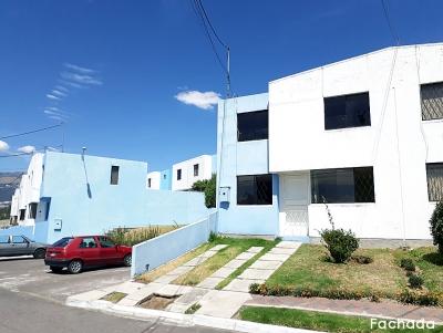 Arriendo casa Dos Hemisferios, esquinera de 2 pisos, $350 incluye el condominio Inf: 2353232,0997592747,0958838194