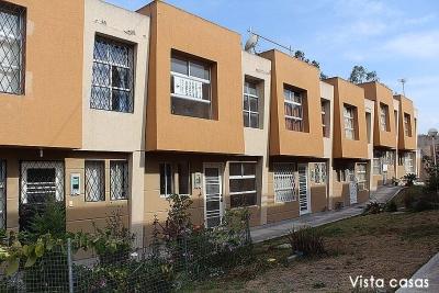 Casa San Antonio de Pichincha,conjunto Vallesol, de 2 pisos, parqueadero $48.000
