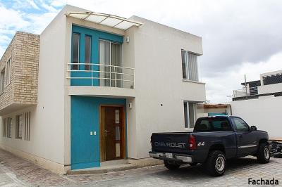 La Pampa, casa en conjunto de 140m2, 2 parqueaderos en conjunto privado $115.000 INf: 2353232,0997592747,0958838194