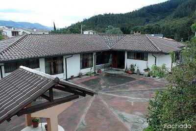 Casa San Rafael, sector Mirasierra, independiente de una planta, cerca al Colegio APCH $210.000 2353232,0997592747,095883894