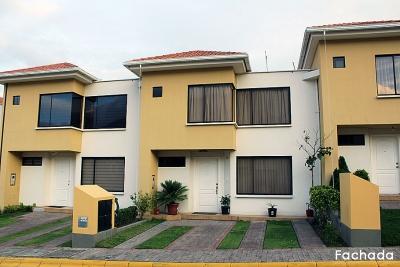 Casa Conjunto Alisos, junto al Colegio Espejo, 4 dormitorios, piscina comunal $115.000 Ventas: 2353232, 0997592747, 0958838194