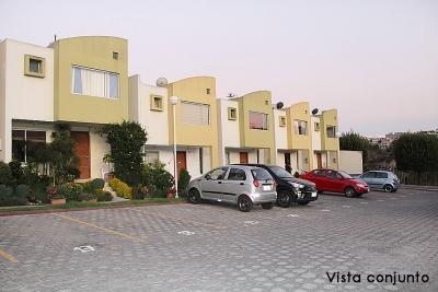 Vendo casa Conjunto Los Olivos, Pusuqui, 2 pisos, esquinera a 5 minutos del Condado SHopping $82.000 Inf: 2353232,0997592747,0958838194