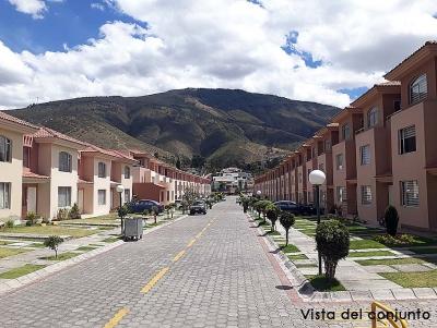 Vendo casa en Quito, conjunto Santa Fe de Pusuqui, esquinera, 3 pisos, 120m2 $119.000 A 5 minutos del Condado Shopping 2353232,0997592747,0958838194