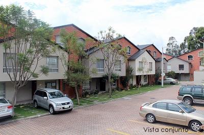 Arriendo casa Alcazar de Toledo, a 3 minutos del nuevo Supermaxi de Pomasqui, 139m2 $450 Contactos: 2353232,0997592747,0958838194