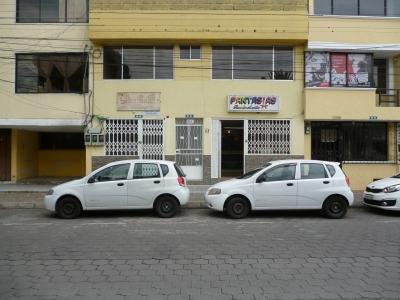 Local Comercial Ubicado En El Parque de Nayón